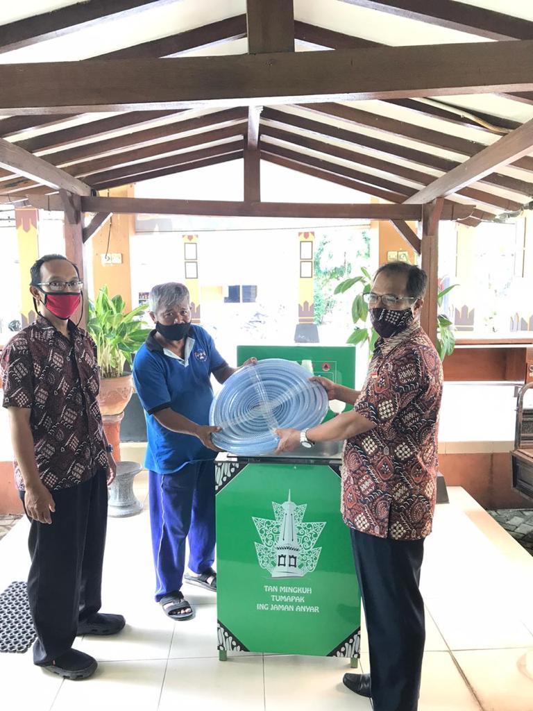 Penyerahan 1 set Wastafel  Portabel dari BPBD Kota Yogyakarta untuk 11 RW